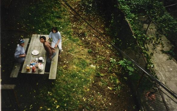 Tina, Valerie and Yukari; tea time in the garden :)