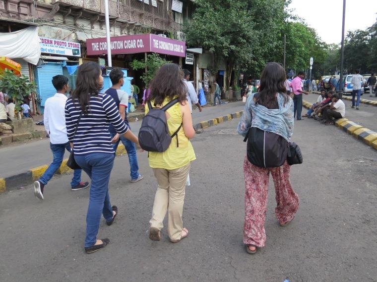Con Dishita descubriendo las calles de Bombay