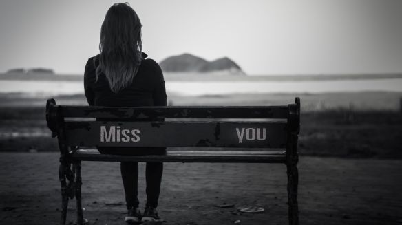 mood-evening-miss-you-bench-sadness-girl-greycale-alone-wallpaper