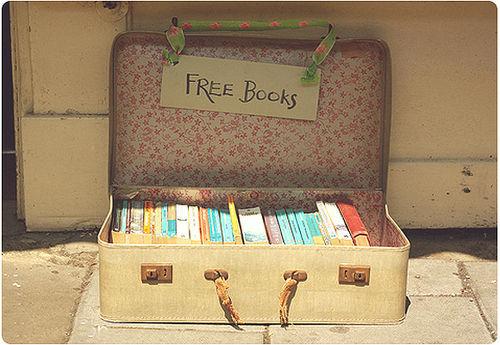 books-free-suitcase-vintage-Favim.com-416902