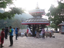 Templo de la isla del lago de Pokhara