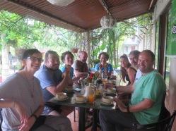 desayunando en Chitwann