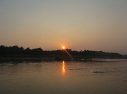 Puesta de sol sobre el río Narayani