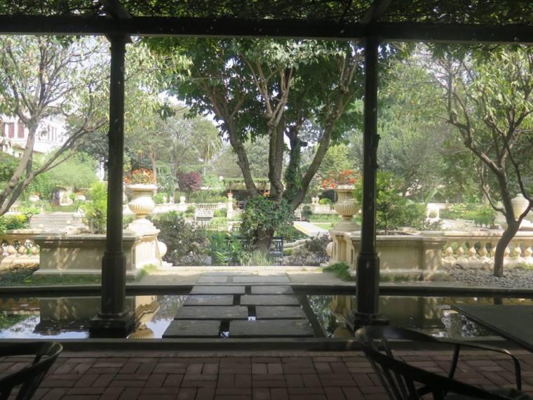 El jardín de los secretos, kathmandú