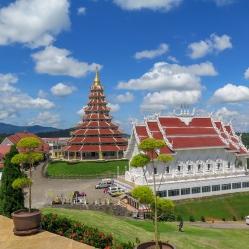 Huay Pla Kung y el gran Buda de Chiang Rai