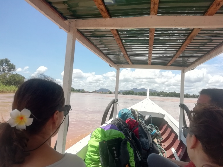 Navegando hacia 4000 islas Champasak, Laos