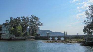 Puente que une las dos islas