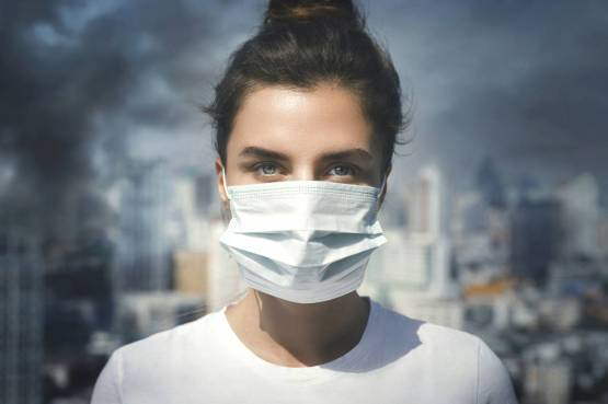 GENERIC: woman, femme, air, quality, pollued, pollution, masque, mask